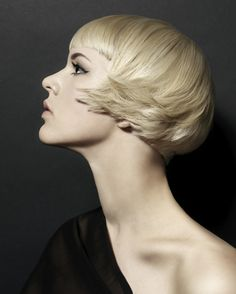 amazing texture to this layering. amelie gone blonde!