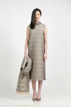 KRATON Auguste Soesastro | Indonesian woven textile Batik Fashion, All Fashion, Fashion Details, Fashion Outfits, Batik Kebaya, Batik Dress, Traditional Fashion, Traditional Dresses, Simple Dresses