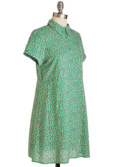 Observation Versus Influence Dress. Some styles are merely lovely to look at, but this kelly green dress by Spanish brand Kling is an absolute inspiration! #green #modcloth