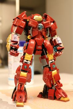 Be ready to fend off any villain that threatens the good citizens of LEGO Town when you have this LEGO Iron Man Hulkbuster at your disposal. Designed to battle the strongest foes in the Marvel universe, it's a must have for any aspiring LEGO Avenger. Lego Marvel, Lego Ironman, Lego Avengers, Avengers Images, Hulk Marvel, Lego Bionicle, Lego Mecha, Lego Chima, Lego Minifigure