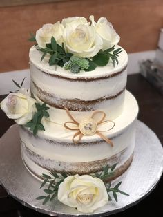 Normally, wedding event cakes are is the conventional cake being dished up to the visitors at the breakfast after the wedding. It is defined as a huge cake, different from the typical cakes we have on regular celebrations. Wedding Cake Fresh Flowers, Fresh Flower Cake, Wedding Cakes, Huge Cake, Wedding Events, Weddings, Rustic Wedding, Icing, Anniversary