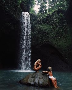 Discovered by bad karma. Find images and videos about girl, nature and friends on We Heart It - the app to get lost in what you love. Samar, Travel Around The World, Around The Worlds, Places To Travel, Places To Visit, Videos Photos, Foto Pose, Destinations, Adventure Is Out There