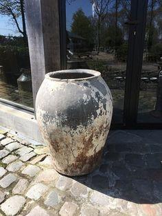Prachtige grote antieke oude stenen kruik pot landelijke stijl waterpot olijfpotwaterkruik vaas