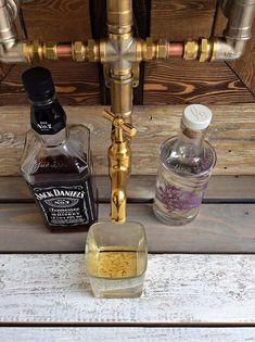 Jack Daniels, Whiskey Dispenser, Alcohol Dispenser, Diy Home Bar, Diy Bar, Mini Bars, Cocktail, Whisky Spender, Bourbon
