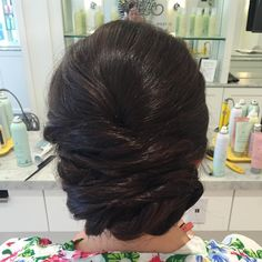 """Ann Krause on Instagram: """"Are you ready for your wedding day hair trial run? Booking two months before your big day is the best way to learn what works and perfect your wedding look! #hairstylist #hairstyle #hairbrained #updo #uptini #weddinghair #bride #bridalhair #romantichair #curls #blowouts #blowoutsbringhappiness #drybarrivernorth #chicagosalon #chicagohairstylist"""""""