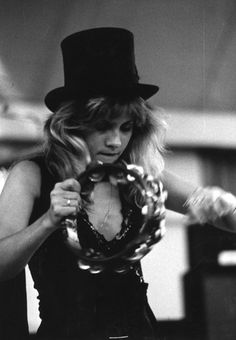 Stevie Nicks and the infamous top hat... so boho