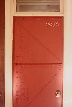 Room B Red Door/アンティーク風・ドア
