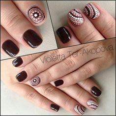 Taken by violetta_ter Mauve Nails, Glam Nails, Work Nails, Fun Nails, Dot Nail Art, Geometric Nail, Pedicure Nail Art, Diy Nail Designs, Stylish Nails