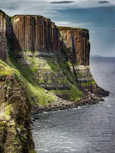 Kilt Rock, Isle of Skye, Scotland. Skye is still definitely on the to do list, j… Kilt Rock, Isle of Oh The Places You'll Go, Places To Travel, Places To Visit, Fairy Pools, Scotland Travel, Scotland Nature, Scotland Landscape, Ireland Landscape, England And Scotland