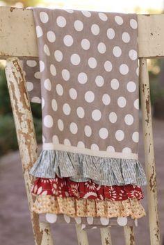 Really cute ruffled kitchen towel tutorial!