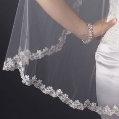 Close-up of Single Layer Fingertip Length Scalloped Embroidered Edge with Bugle Beads & Sequins (3936)