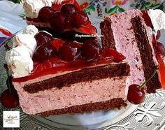 Tejszínes meggyjoghurtos torta, ha valami igazán krémes finomságra vágysz