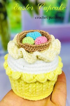 I will show you how to make this beautiful amigurumi cupcake in my step-by-step crochet pattern tutorial.This crochet doll pattern is suitable for the advanced beginner or intermediate crocheter. Crochet Birds, Crochet Bear, Crochet Animals, Crochet Cupcake, Crochet Food, Crochet Granny Square Afghan, Granny Squares, Holiday Crochet Patterns, Step By Step Crochet