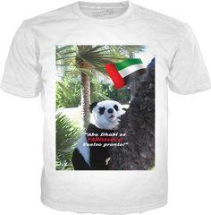 """Custom Classic T-Shirt Blanco: """"Abu Dhabi es PANDAstico!"""" Su especial recuerdo de moda de Abu Dhabi que demuestra a todos: Usted es realmente un cosmopolite! Y el mejor: ¡no tiene que dejar su casa! También disponible en inglés, alemán, francés e italiano!"""