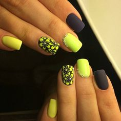 Black and yellow nails, Manicure by yellow dress, May nails, Nails ideas with flowers, Spring nail art, Spring nail ideas, Two-color nails, Two-color nails ideas