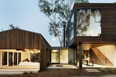 Oak Pass Guest | Beverly Hills, CA, USA | Walker Workshop