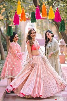 4 More Shots Please Giving Us Some Major Bridesmaid Dress Goals. Check out the trending dresses and photography ideas for your wedding with wedtech Shaadidukaan. Bridesmaid Poses, Brides And Bridesmaids, Bridesmaid Dresses, Prom Dresses, Indian Wedding Outfits, Indian Outfits, Bridal Outfits, Mehendi Outfits, Indian Dresses