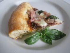 Sonkás pizza szelet (40. hét, péntek) Pizza, Baked Potato, Potatoes, Chicken, Meat, Baking, Ethnic Recipes, Food, Potato