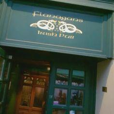#Toilet #fun in #Irish #Pub Flanagans in #Vienna #Austria #toiletvine #Guiness #blackholesoftheworld #beer #food