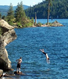 The Most Beautiful Lake in the World, Lake Coeur d'Alene, Idaho. Never thought about going there.....till now!