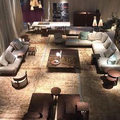 Ein Modernes Design Und Designermöbel, Die Von Pantone Farben Inspiriert  Sind. Verschiedene Stilrichtungen Vom Skandinavischen Design Bis Zum ...