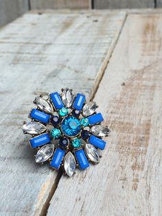 Blue Ring - Jewelry - Fashion Ring - brass tone w/ Rhinestones - LARGE & Adjustable ring