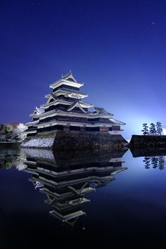 Matsumoto Castle (松本城) Japanese Castle, Japanese House, Japan Landscape, Asian Architecture, All About Japan, Visit Japan, Japan Photo, Japan Art, Japanese Design