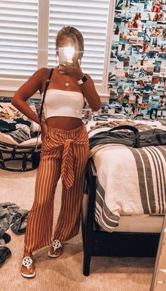 Sexy Tube Top Outfit Summer Casual Look. Tube top look, tube top pattern and tube outfits. Trending tube top outfit ideas for Women. Unique Outfits, Trendy Outfits, Pinterest Cute Outfits, Teen Fashion, Fashion Outfits, Unique Fashion, Fashion Clothes, Style Fashion, Looks Vintage