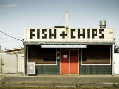Creative Signage, Wayfinding, Fish, Chips, and Sign image ideas & inspiration on Designspiration Casa Art Deco, Takeaway Shop, Café Bistro, Wayfinding Signage, Store Signage, Shop Fronts, Environmental Graphics, Fish And Chips, Grafik Design
