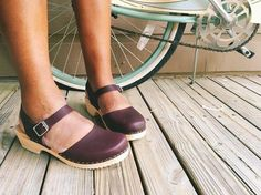 Lotta From Stockholm Womens Low Heel Closed Toe Clogs in Aubergine Leather