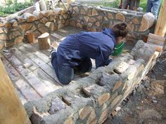 Laying The Cordwood by TravelPod Member Danielandeileen Natural Building, Green Building, Building A House, Cordwood Homes, Earth Bag Homes, Off Grid House, Build A Wall, Gate House, Earthship