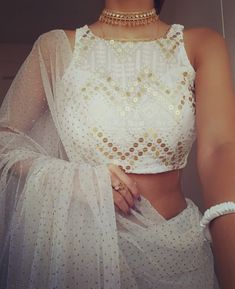 Check Out Chic Saree Blouse Styles To Up Your Fashion! Blouse Back Neck Designs, Blouse Designs, Blouse Styles, Saree Blouse, Chic, Fashion, Shabby Chic, Moda, Elegant