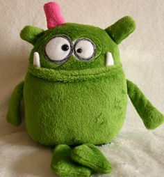 gentleman greenish: magdalena … - Do It Yourself Felt Monster, Monster Toys, Monster Face, Softies, Plushies, Tilda Toy, Ugly Dolls, Fabric Toys, Sock Animals