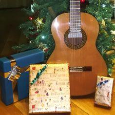 Bom dia! Guitarras Alhambra, compre no Salão Musical de Lisboa. Ofereça uma este Natal. www.salaomusical.com