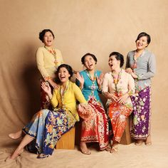 Kebaya via Alodita + beautiful batik sarongs