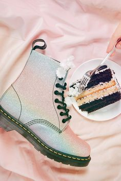 Unicorn boots - a Sunday doesn't have to be dull Pastel Shoes, Glitter Boots, Powder Pink, Doc Martens, Baby Blue, Combat Boots, Unicorn, Sunday, Fashion