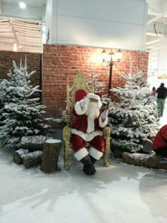 Santa at idealhome xmas show