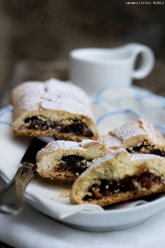 Olive oil pastry strudel with dried figs