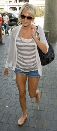 casual outfit...and the best legs