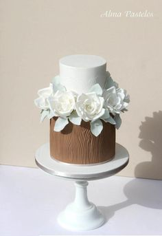 Woodland inspired wedding cake - cake by Alma Pasteles