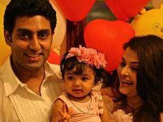 Aishwarya Rai & Abhishek Bachchan with birthday girl Aaradhya.