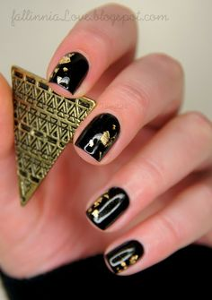 Golden leaf nails.