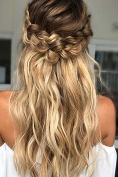 Cute Straight Hairstyles for Long Hair ★ See more: http://lovehairstyles.com/cute-straight-hairstyles-long-hair/