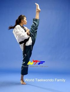 World Taekwondo Family Martial Arts Styles, Martial Arts Women, Mixed Martial Arts, Judo, Cheerleading, Kempo Karate, World Taekwondo, Female Martial Artists, Karate Girl