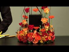 a stunning tribute (but simple to create) Art Floral, Floral Design, Funeral Floral Arrangements, Flower Arrangements, Flower Video, Sympathy Flowers, Simple Centerpieces, Funeral Flowers, All Flowers