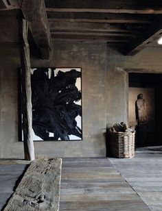 greige: interior design ideas and inspiration for the transitional home : Making a statement with art
