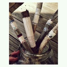 Items similar to Wedding Driftwood Bouquet on Etsy Driftwood Projects, Driftwood Art, Crafts To Make, Fun Crafts, Arts And Crafts, Stone Painting, Painting On Wood, Painted Branches, Stick Art