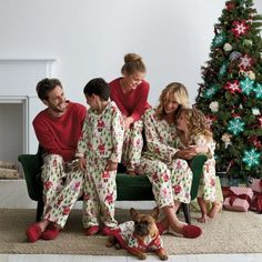 Cozy matching family pajamas with images of Santa and his reindeer playing hide 'n' seek. Matching PJs for kids, men, women, even the dog! The Company Store Matching Christmas Pjs, Matching Family Pajamas, Christmas Pajamas, Christmas Photos, Family Christmas, Christmas Ideas, Christmas Morning, White Christmas, Christmas Eve