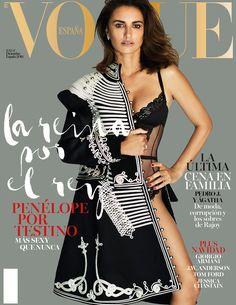 Penélope Cruz por Mario Testino: la reina por el rey en #VogueDiciembre © Mario Testino / Realización: Anastasia Barbieri