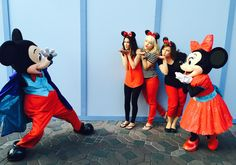 Cheryl in Albu-qrazy: Simple Trick to Getting FUN Disney Character Photos. #Disney #Photos #Fun
